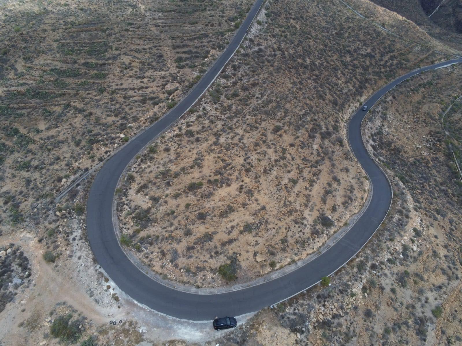 Terreno  en Arico de 10.000 m2 al lado de la autopista.